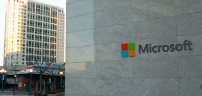 Microsoft cuts more jobs in troubled mobile unit