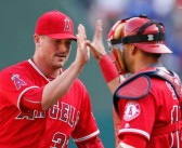 Angels end Rangers winning streak