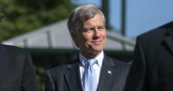 Ex-governor praises Supreme Court ruling