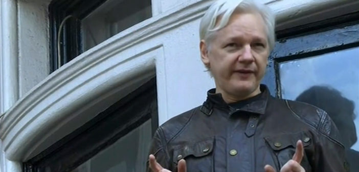 Assange seeks contact with US, UK officials